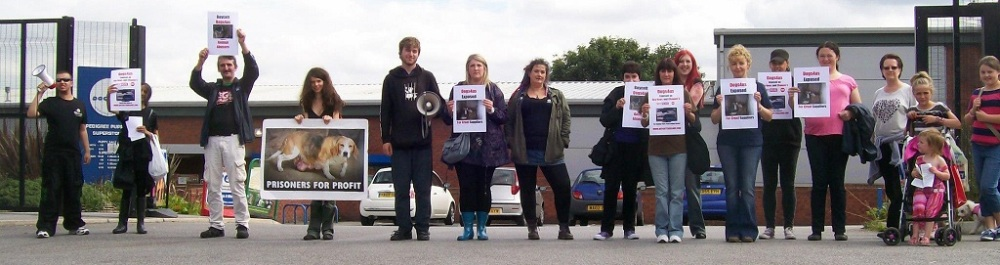 30 People Join a Loud and Direct Protest at Dogs4us Leeds  (2/2)