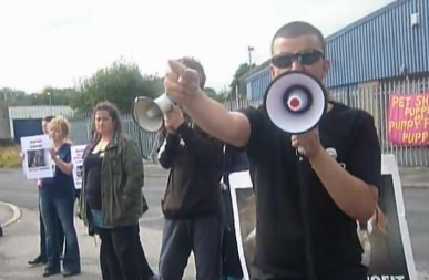 30 People Join a Loud and Direct Protest at Dogs4us Leeds  (1/2)